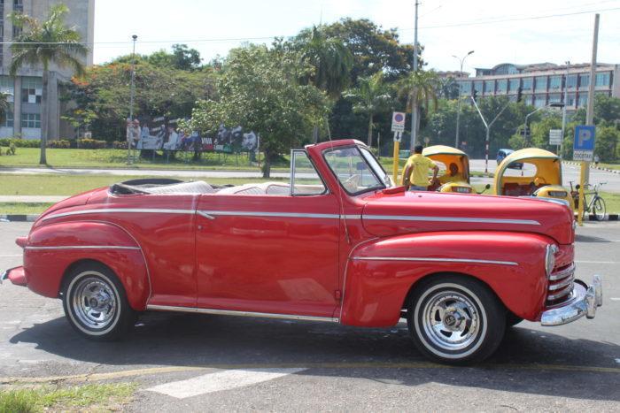 Cuban Classic Car Persistence Lesson